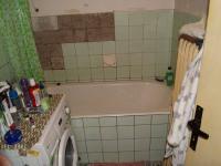 Koupelna v přízemí (Prodej domu v osobním vlastnictví 200 m², Kunice)