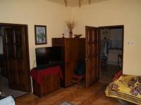 Obývací pokoj v přízemí  (Prodej domu v osobním vlastnictví 200 m², Kunice)