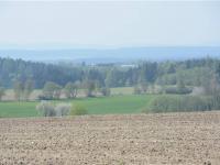 výhled z místa pozemků na západní stranu (Prodej pozemku 12539 m², Malšice)