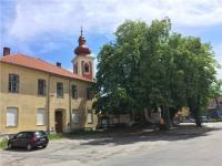 centrum obce, kostel (Prodej pozemku 12539 m², Malšice)