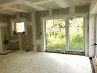 Obývací pokoj - Prodej domu v osobním vlastnictví 118 m², Kostelec nad Černými lesy
