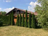 Garáž na pozemku (Prodej domu v osobním vlastnictví 140 m², Mukařov)