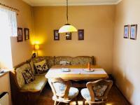 Jídelna - Prodej domu v osobním vlastnictví 130 m², Kostelec nad Černými lesy