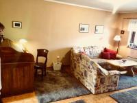 Obývací pokoj se vstupem na zahradu - Prodej domu v osobním vlastnictví 130 m², Kostelec nad Černými lesy
