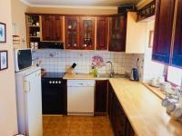 Kuchyně - Prodej domu v osobním vlastnictví 130 m², Kostelec nad Černými lesy