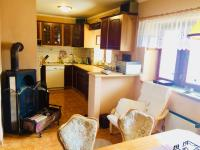 Kuchyně s jídelnou - Prodej domu v osobním vlastnictví 130 m², Kostelec nad Černými lesy
