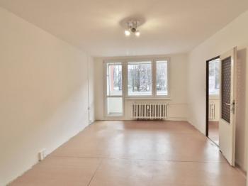 Obývací pokoj - Prodej bytu 3+1 v osobním vlastnictví 77 m², Praha 4 - Chodov