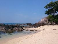 Pláž se zlatavým pískem - Prodej domu v osobním vlastnictví 233 m², Koh Jum Beach Vilas