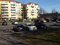 parkovací plochy kolem domu - Prodej bytu 2+kk v osobním vlastnictví 44 m², Praha 10 - Horní Měcholupy