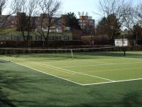tenisové kurty přímo u domu - Prodej bytu 2+kk v osobním vlastnictví 44 m², Praha 10 - Horní Měcholupy