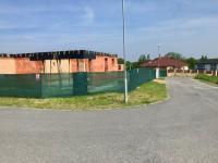 Nyní hrubá stavba 1NP - Prodej domu v osobním vlastnictví 104 m², Mukařov