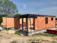 Světlý byt s terasou a pozemkem - Prodej domu v osobním vlastnictví 104 m², Mukařov
