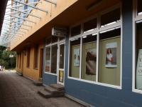 potraviny u vchodu do domu - Prodej bytu 2+kk v osobním vlastnictví 40 m², Praha 4 - Krč