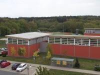 výhled na školu  Říčanského lesa - Pronájem bytu 1+kk v osobním vlastnictví 20 m², Říčany