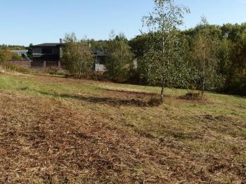 pohled na pozemek - Prodej pozemku 1300 m², Říčany