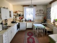 Světlá kuchyně - Prodej domu v osobním vlastnictví 150 m², Zásmuky