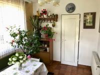 Prostorná předsíň - Prodej domu v osobním vlastnictví 150 m², Zásmuky