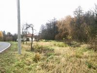 Přístupný z obecní komunikace - Prodej pozemku 974 m², Přistoupim