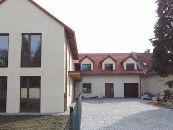 Vila, větší RD na prodej, Říčany (Radošovice)