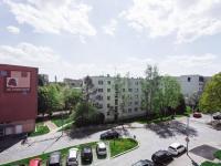 výhled z lodžie (Prodej bytu 2+1 v osobním vlastnictví 50 m², Praha 3 - Žižkov)