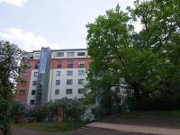 pohled na dům (Prodej bytu 2+1 v osobním vlastnictví 50 m², Praha 3 - Žižkov)