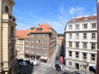 Výhled z bytu (Prodej bytu 2+kk v osobním vlastnictví 48 m², Praha 1 - Staré Město)