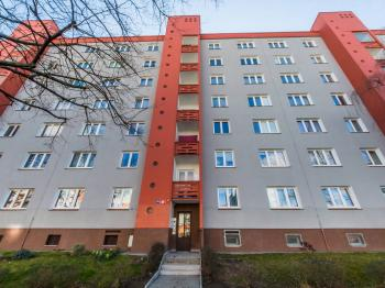 Prodej bytu 1+1 v osobním vlastnictví 46 m², Praha 10 - Vršovice