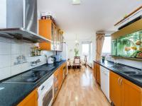 Kuchyně, realitní makléřka, Renáta Maličká (Prodej bytu 4+kk v osobním vlastnictví 146 m², Praha 9 - Prosek)