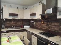 Kuchyňská linka (Prodej domu v osobním vlastnictví 113 m², Mníšek pod Brdy)