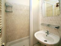koupelna (Prodej bytu 4+kk v osobním vlastnictví 124 m², Praha 9 - Prosek)