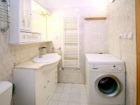 koupelna s vanou (Prodej bytu 4+kk v osobním vlastnictví 124 m², Praha 9 - Prosek)