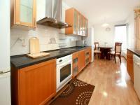 kuchyňský kout (Prodej bytu 4+kk v osobním vlastnictví 124 m², Praha 9 - Prosek)