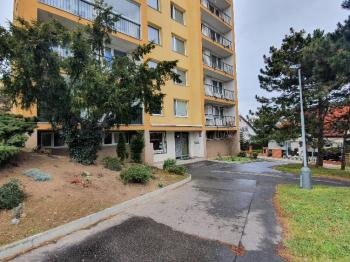 pohled na dům Hviezdoslavova ul. Praha 4 - Prodej bytu 3+1 v družstevním vlastnictví 64 m², Praha 4 - Háje