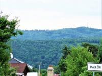 přístupová cesta od Hvozdnice (Prodej pozemku 3450 m², Štěchovice)