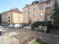 Pohled do ulice Na nivách (Prodej bytu 2+kk v osobním vlastnictví 48 m², Praha 4 - Michle)