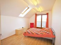 Pokoj (Prodej domu v osobním vlastnictví 285 m², Březí)
