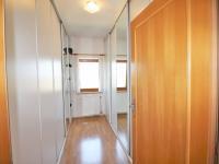 Šatna (Prodej domu v osobním vlastnictví 285 m², Březí)