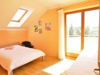 Pokoj pro hosty (Prodej domu v osobním vlastnictví 285 m², Březí)