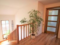 hala v patře (Prodej domu v osobním vlastnictví 280 m², Zdiby)
