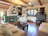 obývací pokoj (Prodej domu v osobním vlastnictví 280 m², Zdiby)