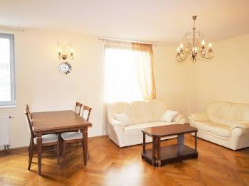 Detail obývacího pokoje - Prodej bytu 3+kk v osobním vlastnictví 95 m², Praha 10 - Strašnice