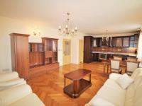 Obývací pokoj s kuchyní - Prodej bytu 3+kk v osobním vlastnictví 95 m², Praha 10 - Strašnice