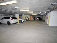 Pohled do garáže - Prodej bytu 3+kk v osobním vlastnictví 95 m², Praha 10 - Strašnice