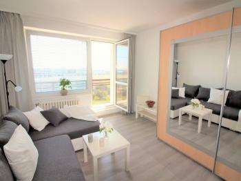 Pronájem bytu 2+kk v družstevním vlastnictví 45 m², Praha 8 - Kobylisy