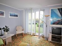 Hostovský pokoj se vstupem do zahrady - Prodej domu v osobním vlastnictví 495 m², Říčany