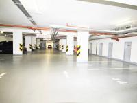 Garážové stání  - Pronájem bytu 4+kk v osobním vlastnictví 102 m², Praha 10 - Uhříněves
