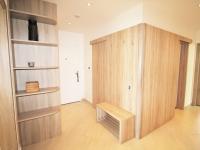 Chodba s úložnými prostory - Pronájem bytu 4+kk v osobním vlastnictví 102 m², Praha 10 - Uhříněves