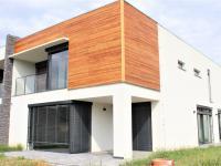 pohled na dům - Pronájem domu v osobním vlastnictví 248 m², Černošice