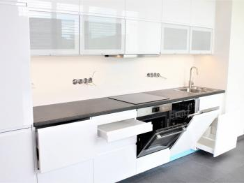 kuchyně - Pronájem domu v osobním vlastnictví 248 m², Černošice