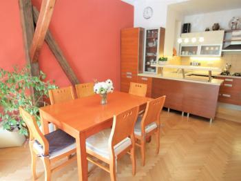 Prodej bytu 3+1 v osobním vlastnictví 100 m², Praha 8 - Karlín